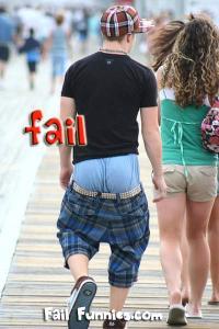saggy-pants-shorts-falling